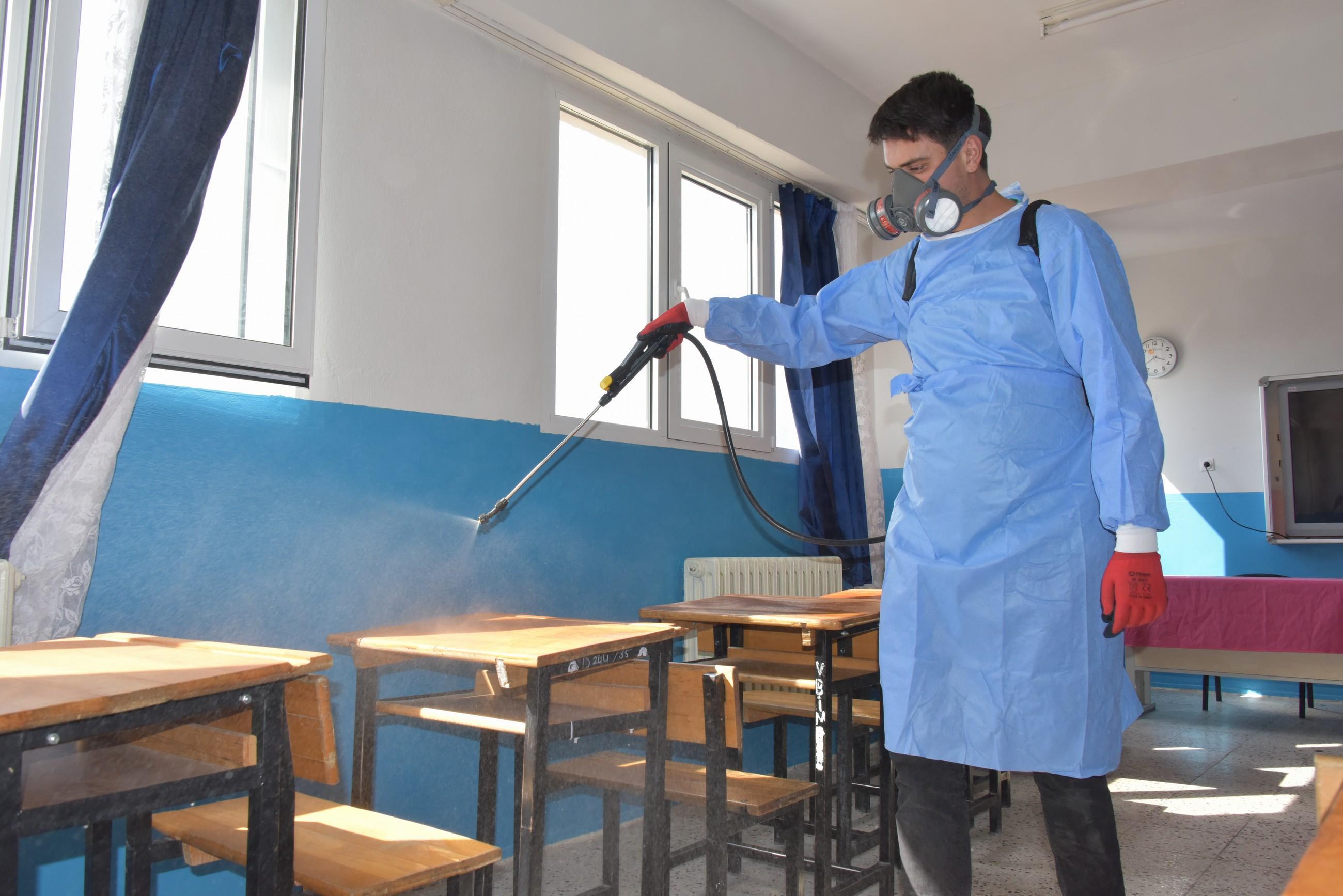 1 Aliağa'da Okullar Dezenfekte Ediliyor-gazete-yenigun