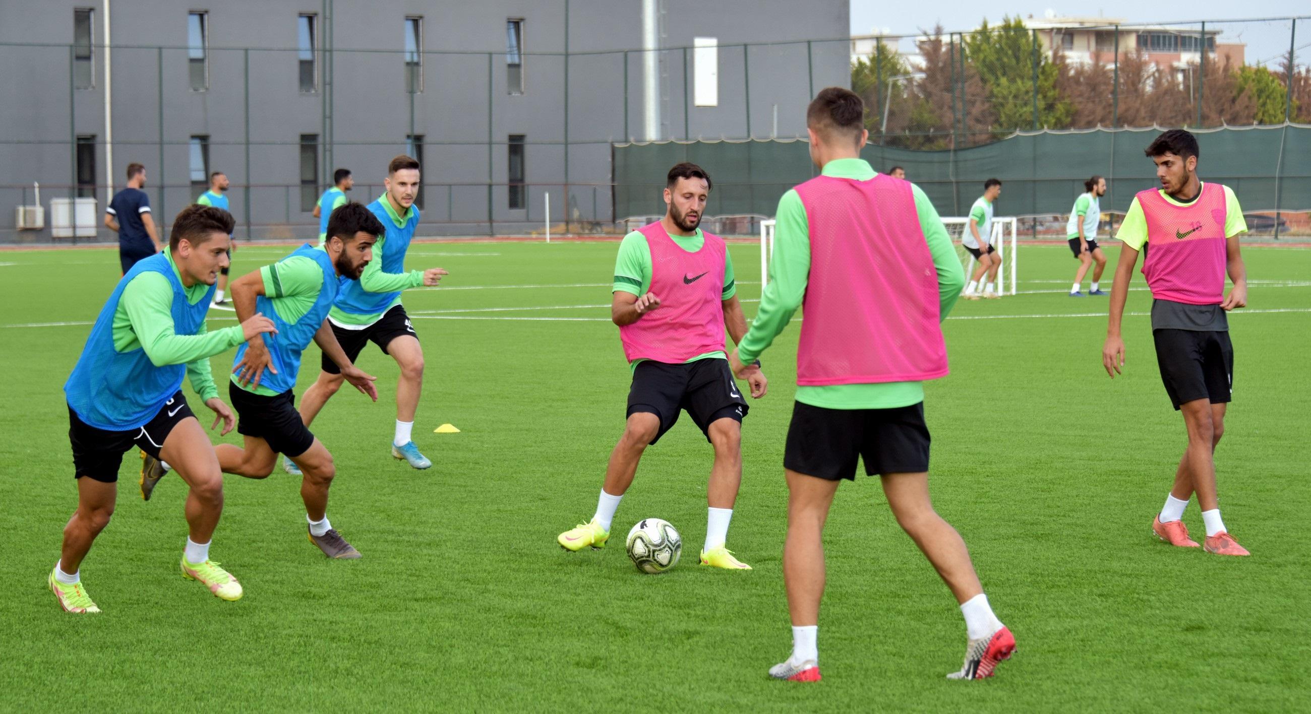 2 Aliağaspor FK, Sezon Hazırlıklarını Sürdürüyor