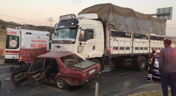 Alaşehirde kaza 1 ölü 3 yaralı yenigun