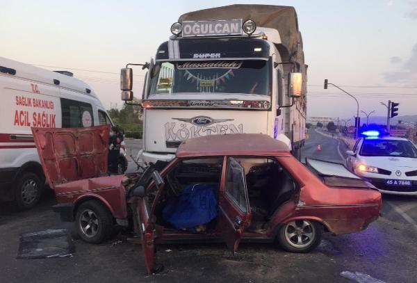 Alaşehirde kaza 1 ölü 3 yaralı