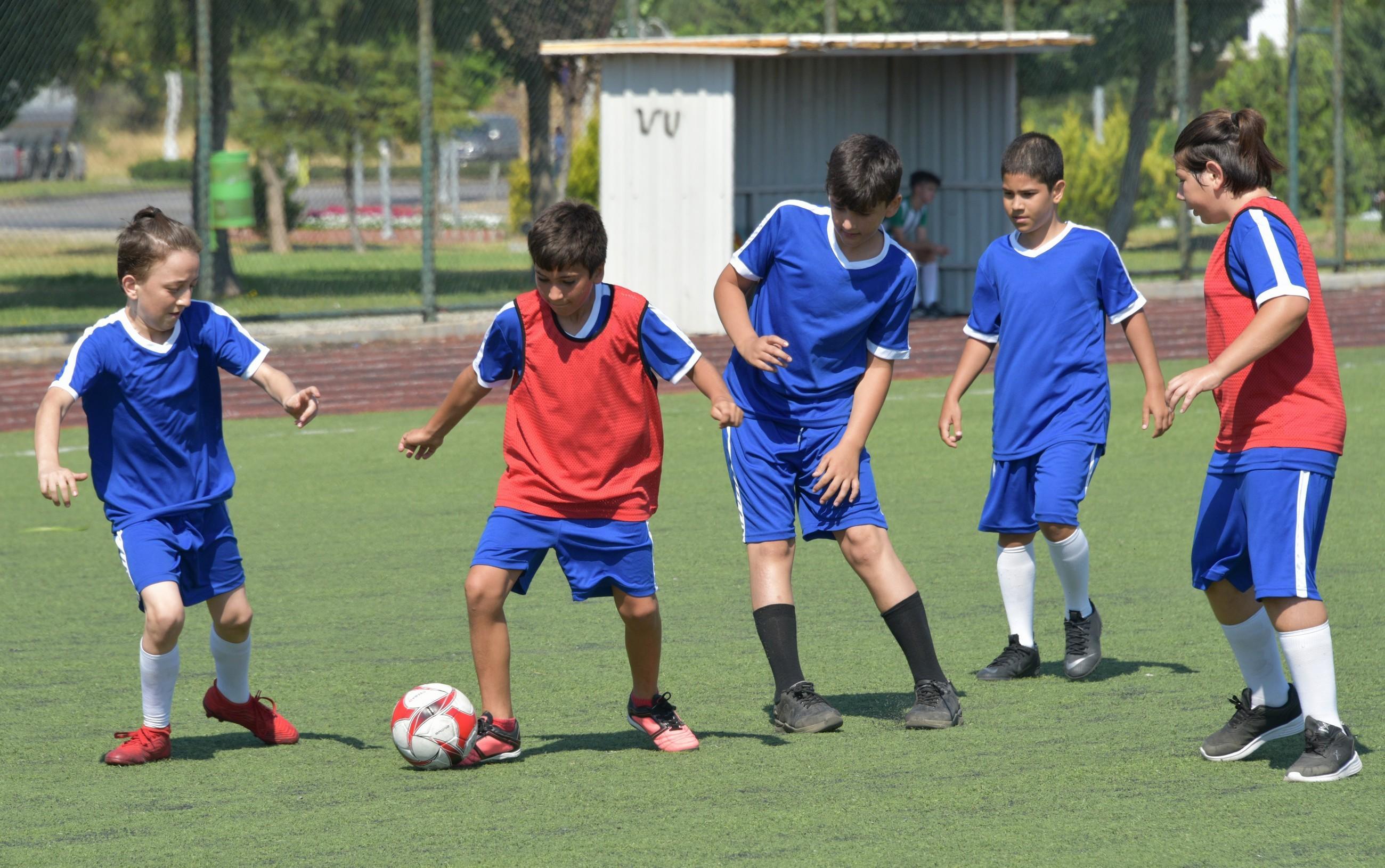 Aliağa Belediyesi Kış Spor Okullarına başvurular-basladi-1-gazete-yenigun