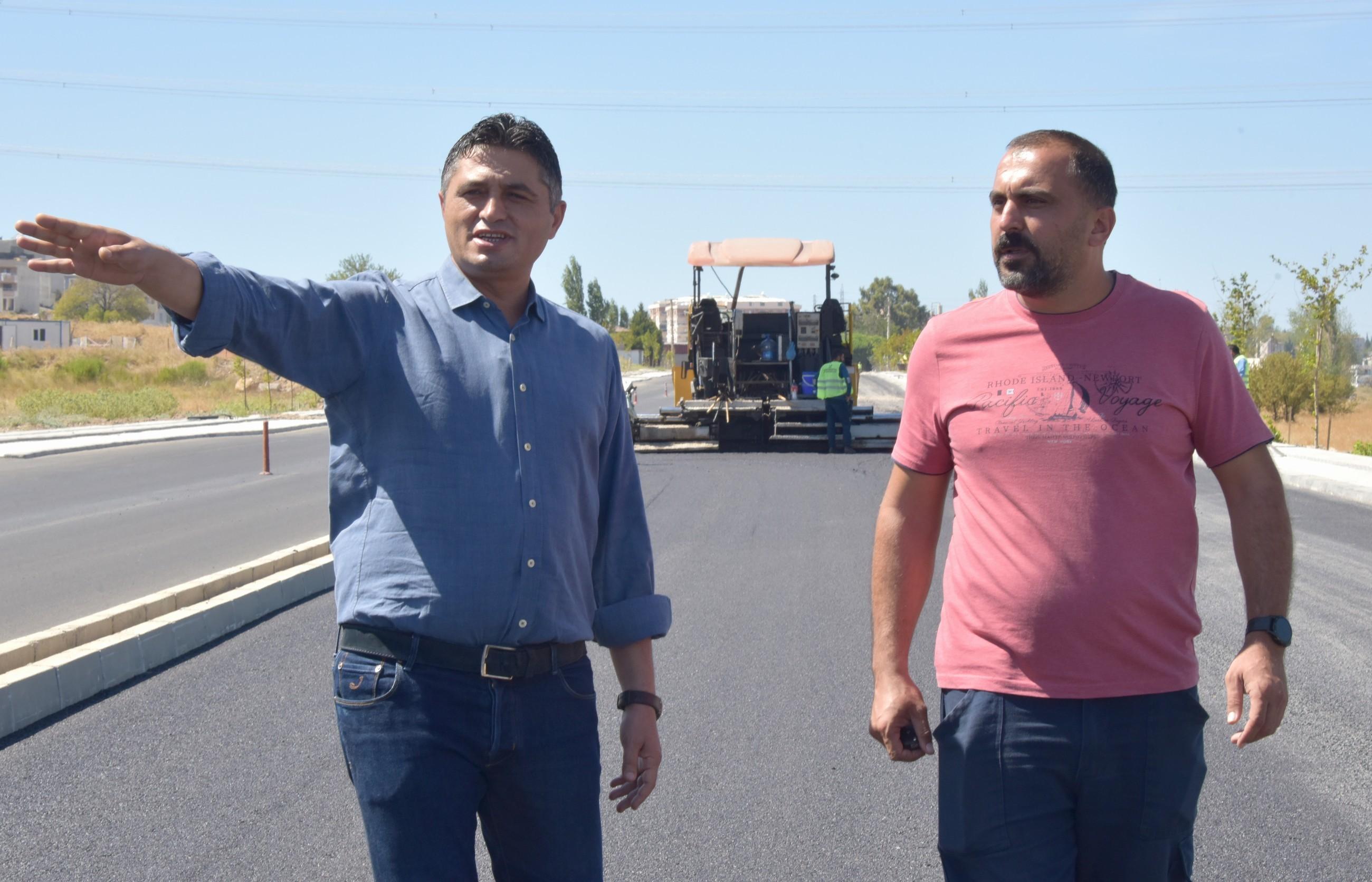 Aliağa'da Güzelhisar Caddesi asfaltlanıyor