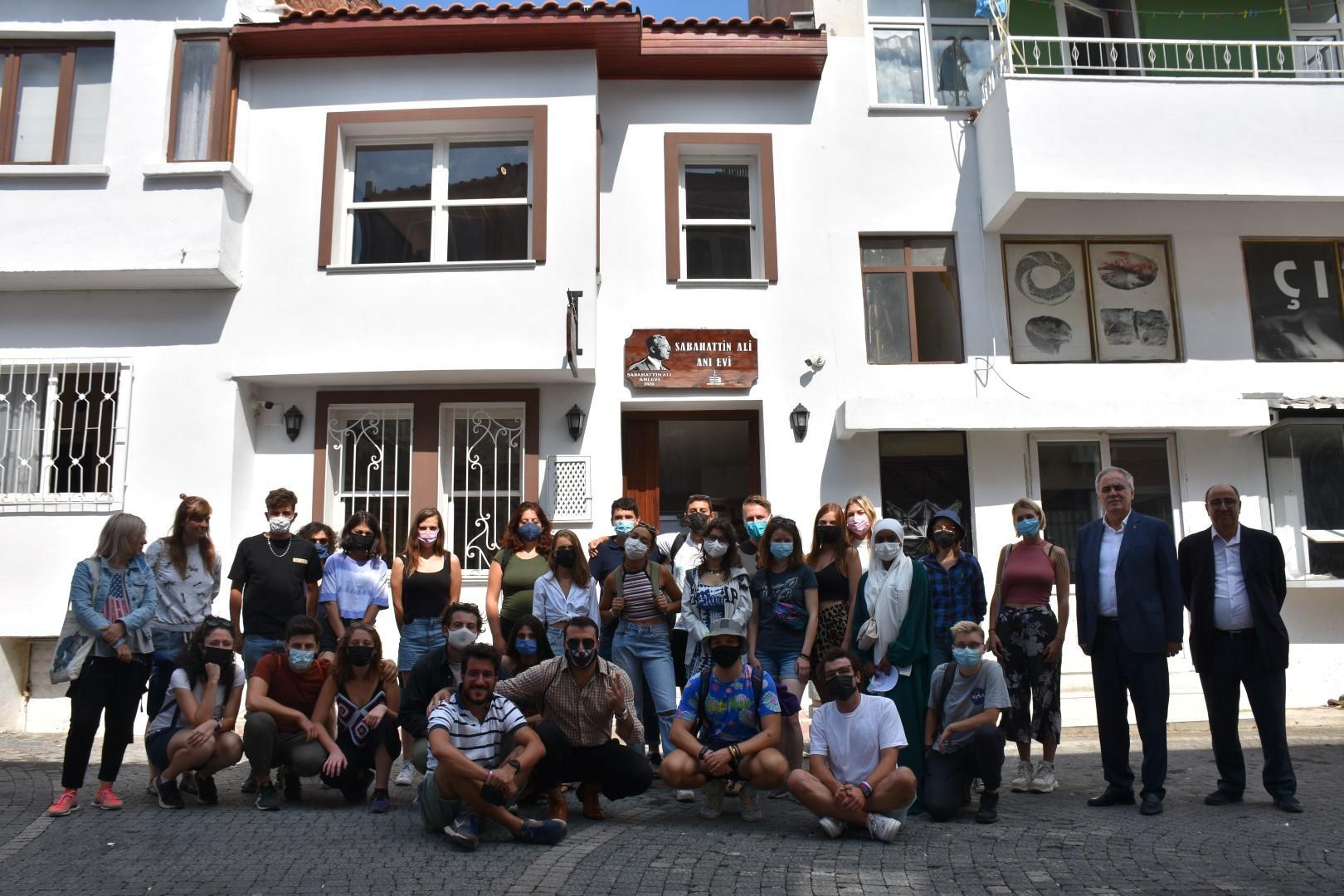 Avrupalı gençler Sabahattin Ali Evi'ni gezdi--1