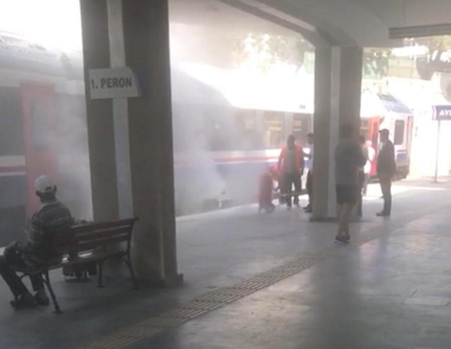 Aydın tren istasyonunda yangın-gazete-yenigun