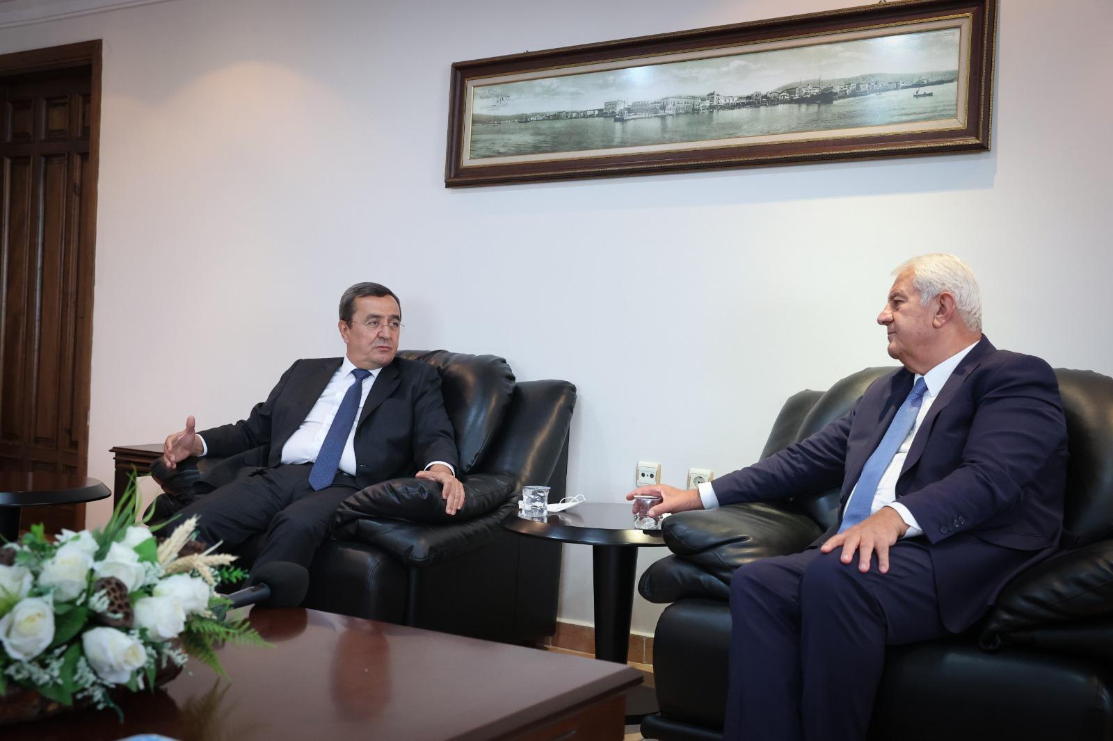 Başkan Ahilik Haftasında İzmir Esnaf ve Sanatkarlar Odaları Birliğini ziyaret etti. (1)