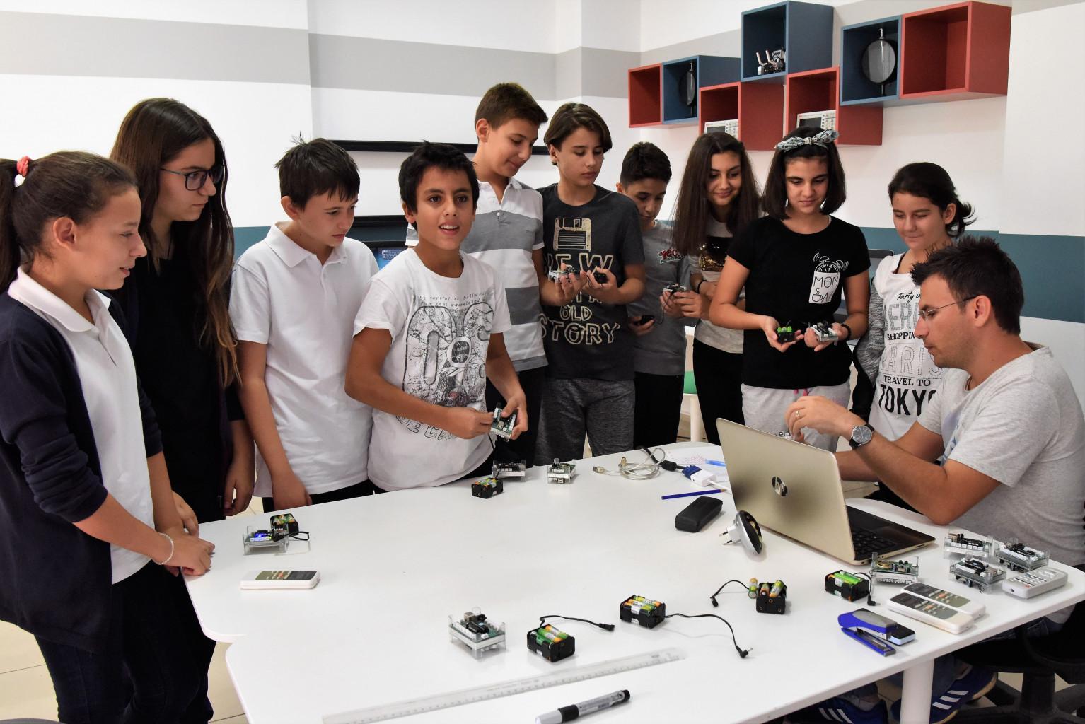 bornova belediyesinden çocuklara eğitim-yenigun gazetesi