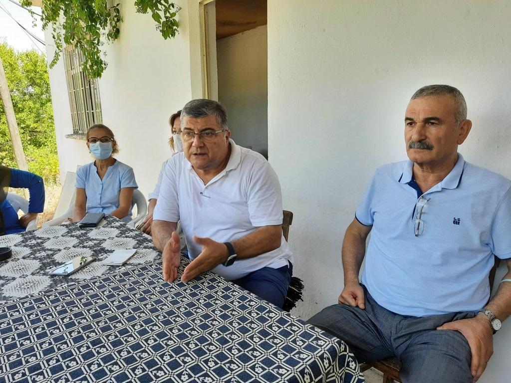 CHP'li Sındır, Bergama'da köy muhtarlarıyla bir araya geldi-yenigun gazetesi