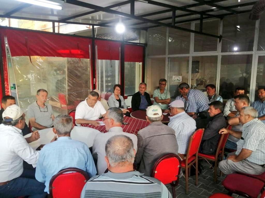 CHP'li Sındır, Bergama'da köy muhtarlarıyla bir araya geldi