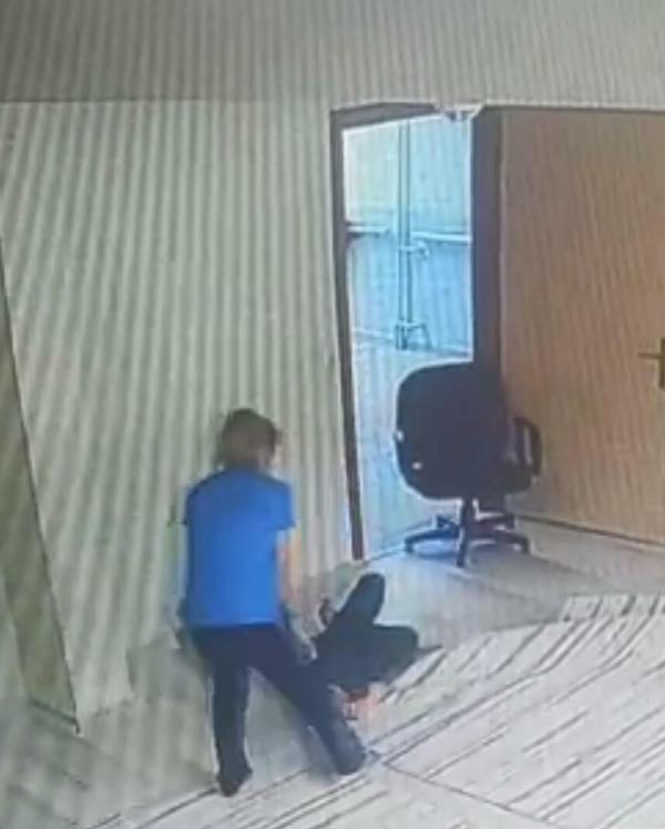 Engelli öğrenciye darp iddiasında kamera kayıtları ortaya çıktı-yenigun