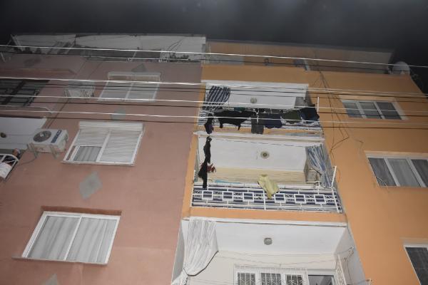 ev sahibi evden çık dedi, kiracı eşyaları sokağa fırlattı-gazete yenigun