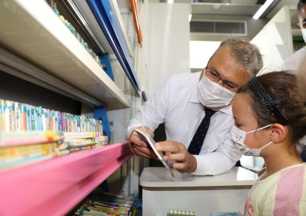 Gezici Kütüphane yaz tatilinde bin 500 öğrenciye ulaştı