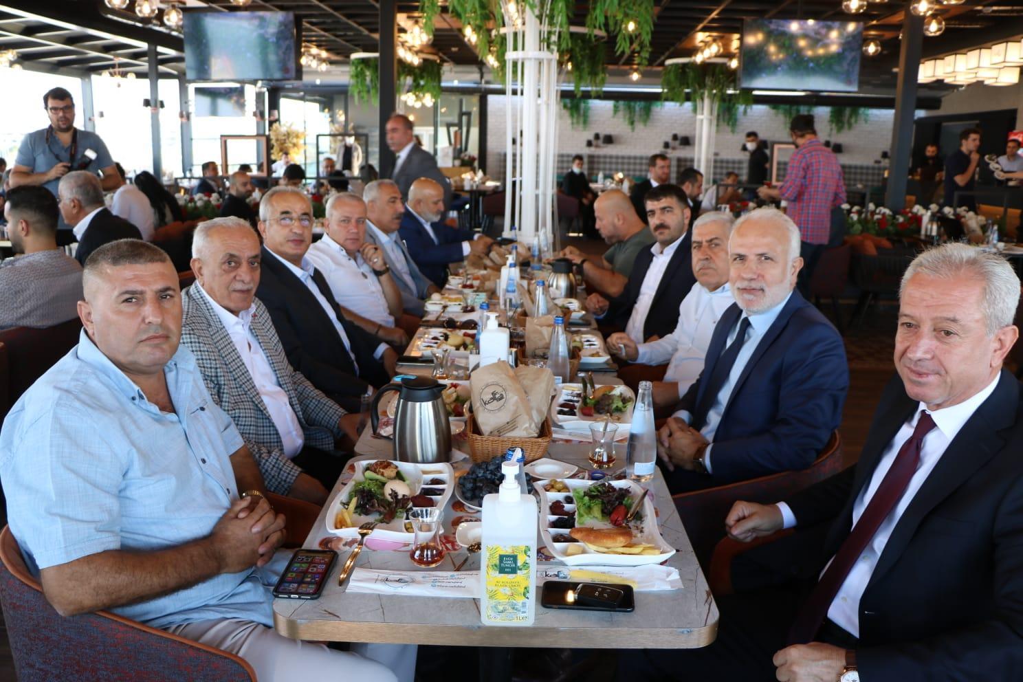 İMAF İzmirli başkanlarla bir araya geldi-gazete yenigun