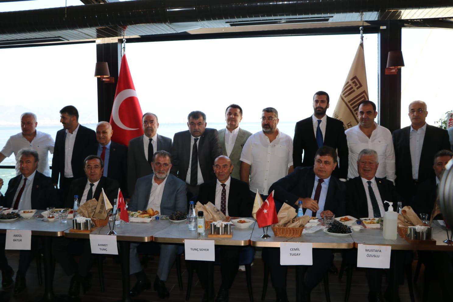 İMAF İzmirli başkanlarla bir araya geldi-gazetesi