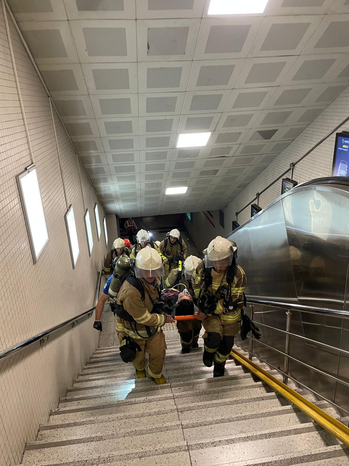 İzmir'de metro durakları arası yangın tatbikatı