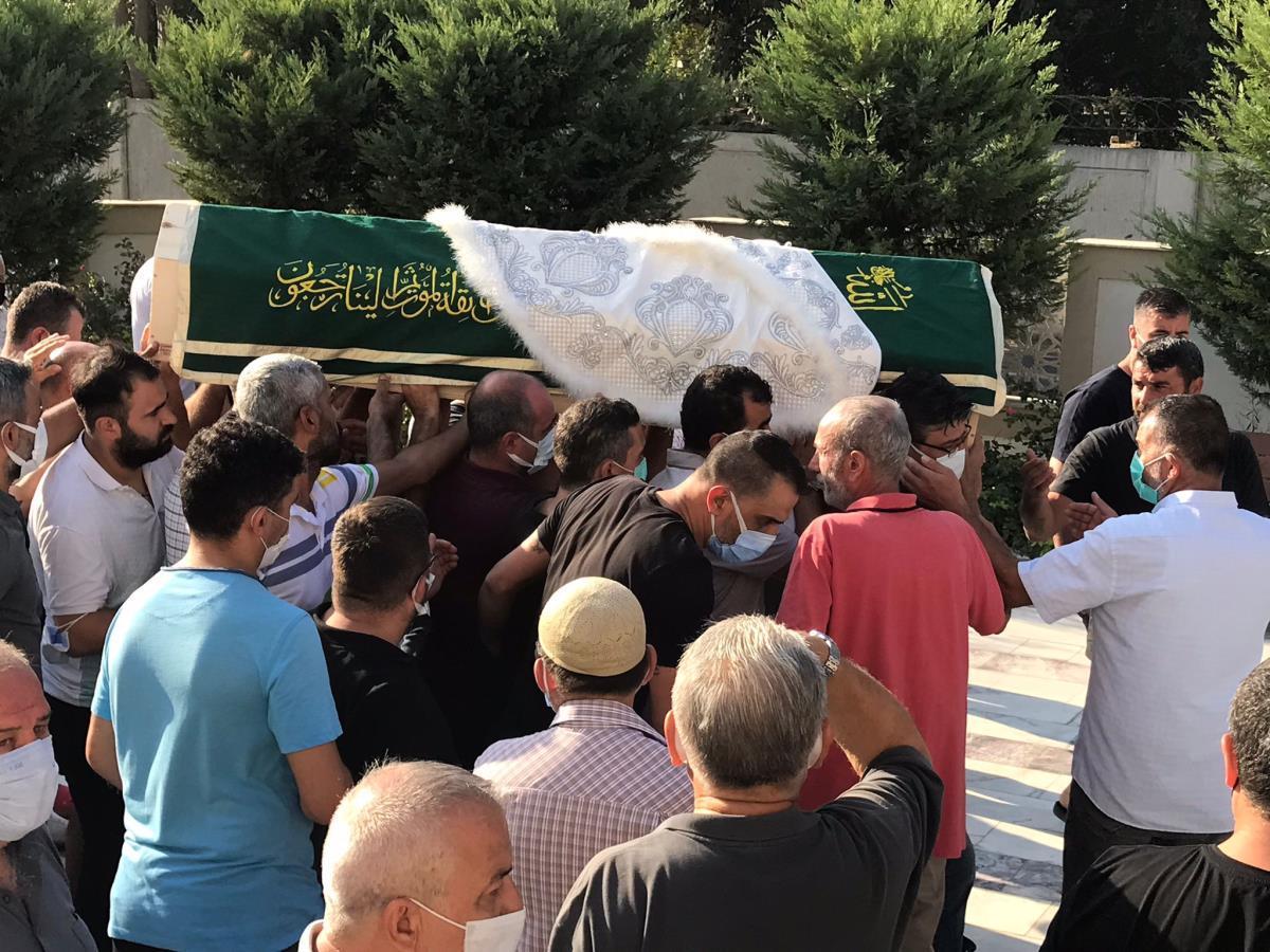 İzmir'de otomobilin çarptığı çocuk son yolculuğuna uğurlandı-gazete-yenigun