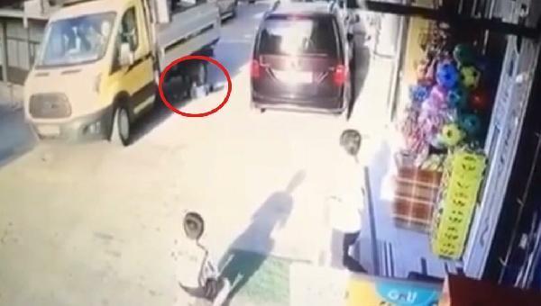 kamyonun altında kalan ali yaralandı