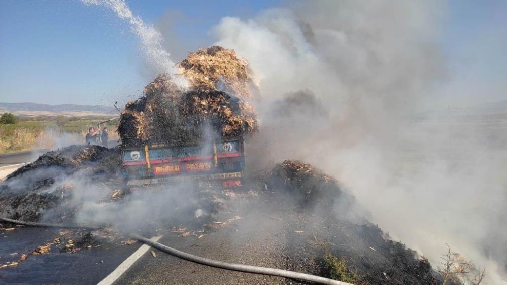 Manisa'da saman yüklü tır yandı-1-gazete-yenigun