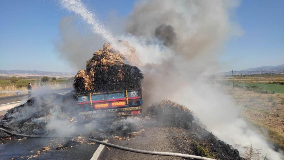 Manisa'da saman yüklü tır yandı -gazete-yenigun