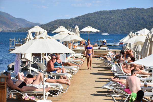 Marmaris'e kasım ortasına kadar 100 bin İngiliz turist geliyor-yenigun