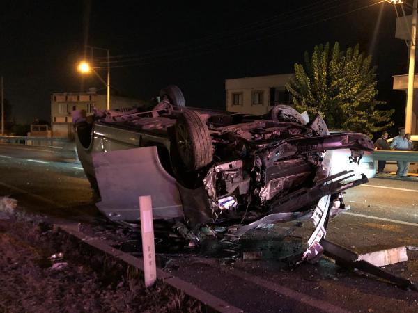 Minibüs takla attı 5 yaralı