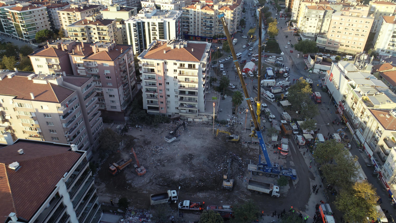Rıza Bey Apartmanı'nın inşaat alanına hiç gidilmemis-gazete-yenigun