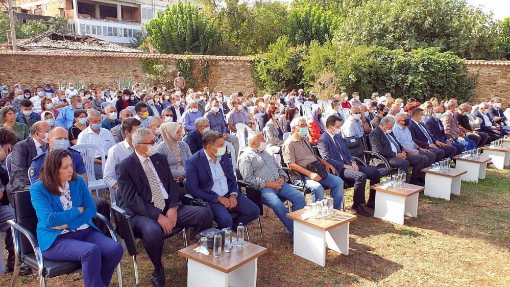 Yörük Ali Efe mezarı başında anıldı-gazete-yenigun