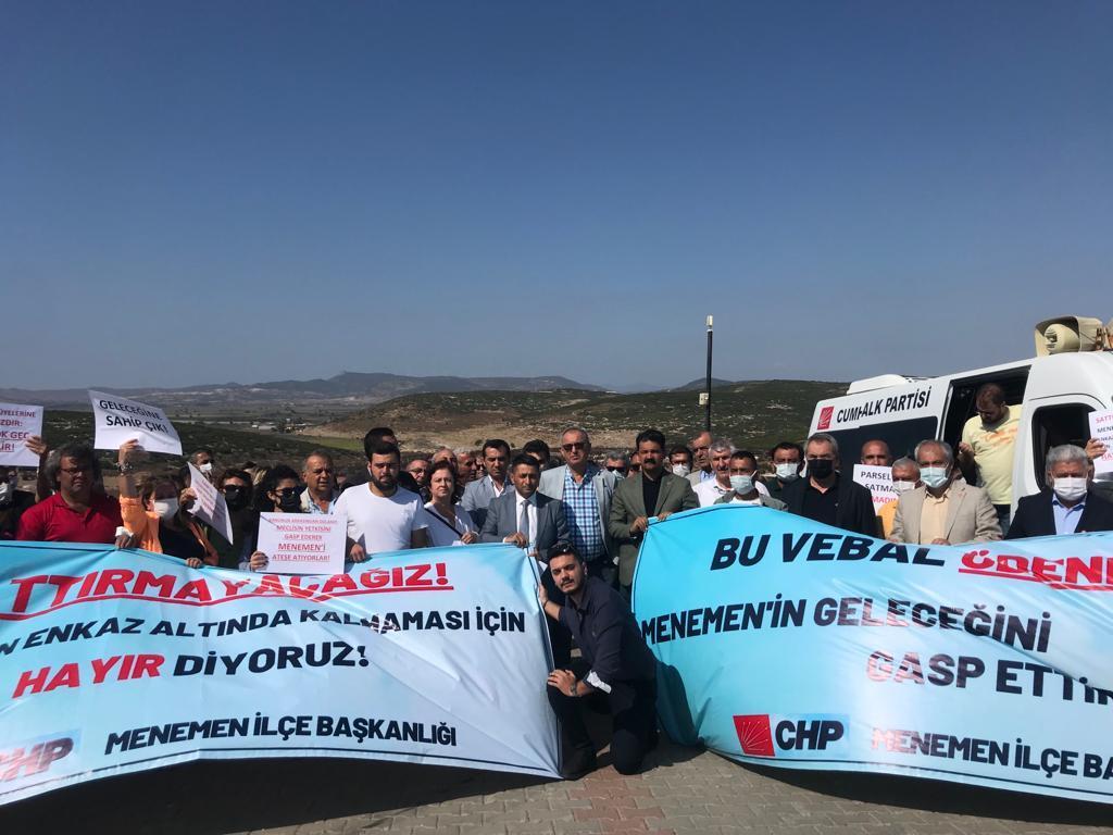 Atila Sertel CHP Menemen İlçe Başkanlığı'nın eylemine destek vermişti_3