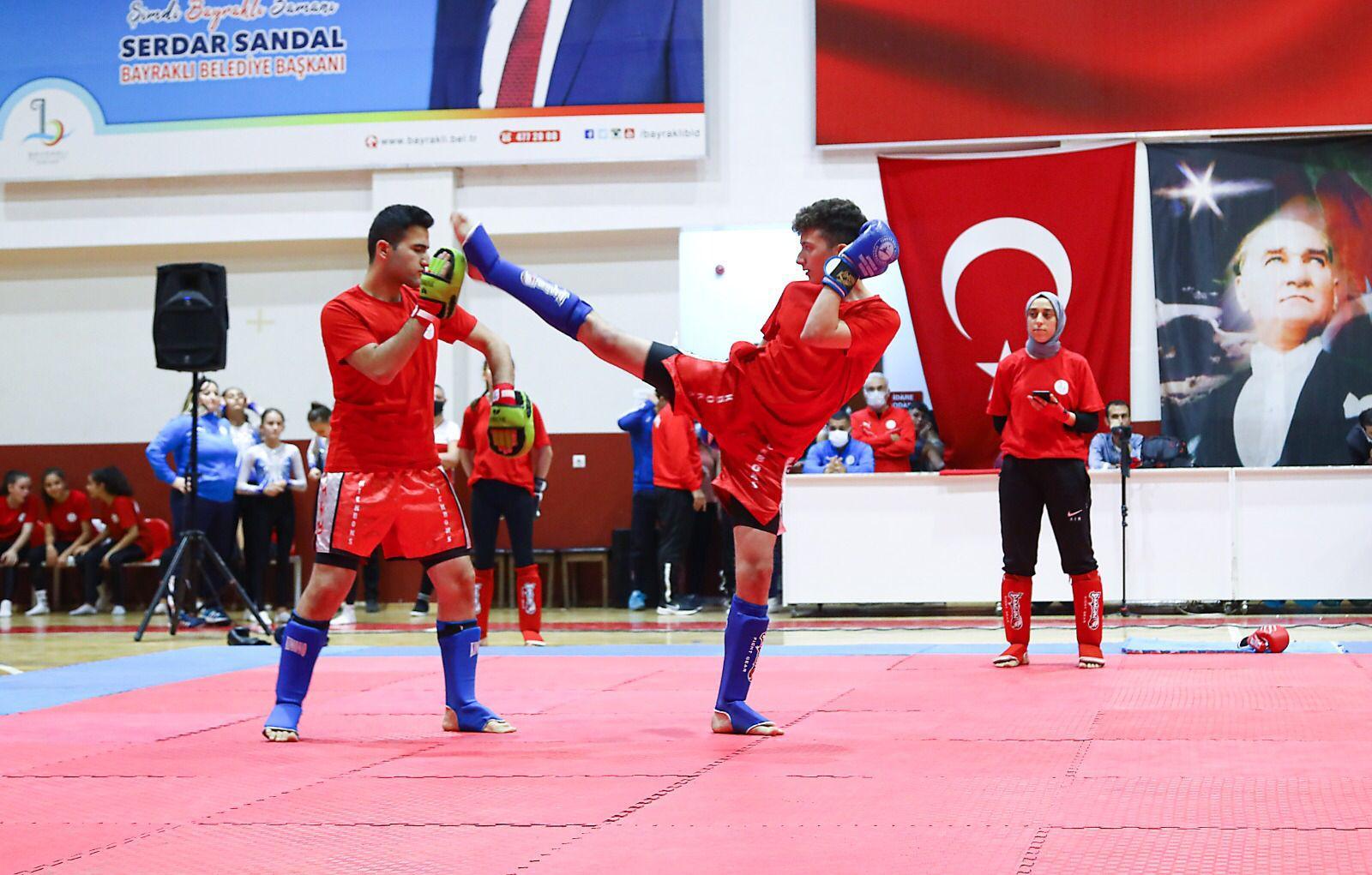 Bayraklı'da spor okulları coşkuyla açıldı-yenigun gazete