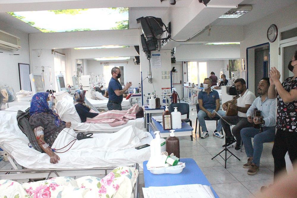 diyaliz-hastalarina-müzikli-terapi-gazete-yenigun (2)
