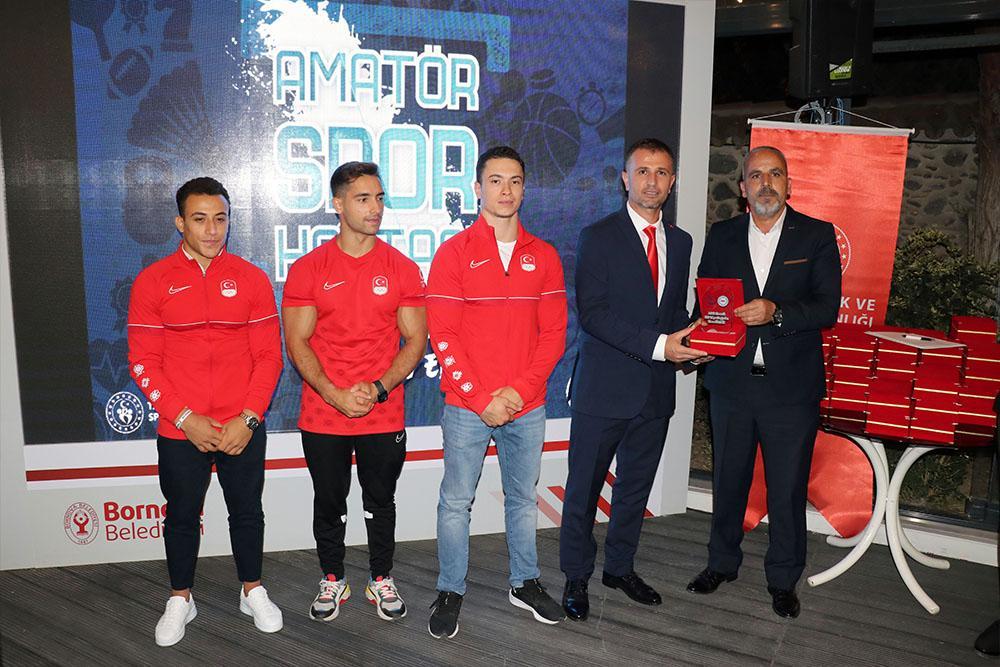 İzmir'de Amatörün En'leri ödül töreni düzenlendi