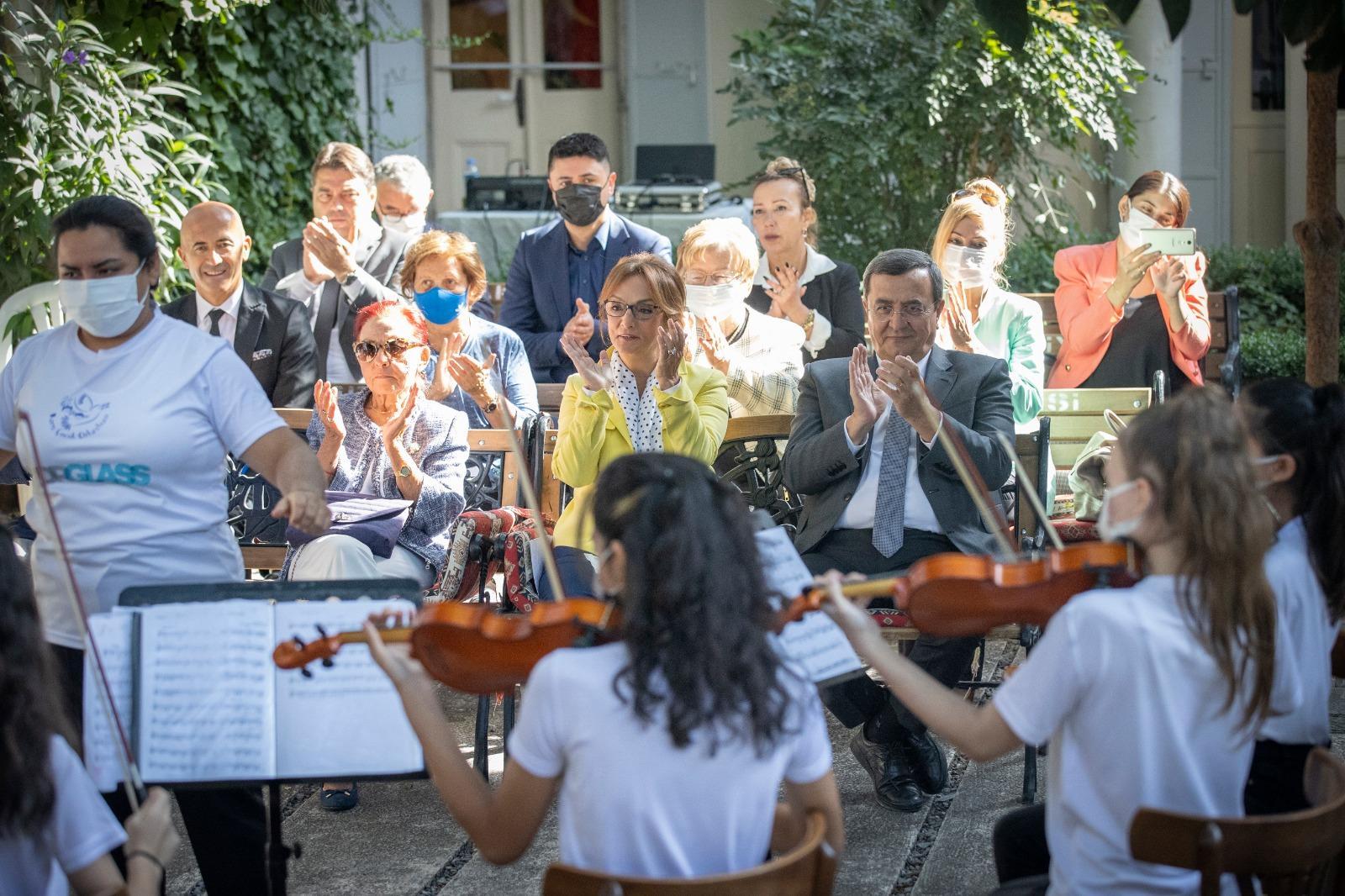 Konak Belediyesi Barış Çocuk Orkestrası'na Kucak Açtı (4)