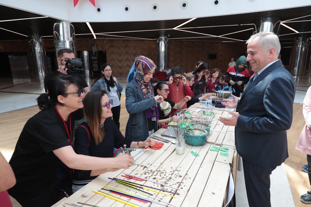 turkiyenin-ilk-cam-festivali-gazete-yenigun (3)